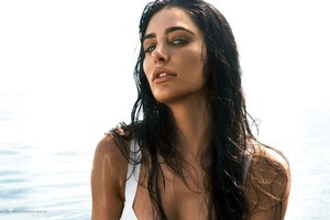 Nargis Fakhri 3 Wallpaper