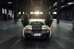 Novitec McLaren 570S Spider 2018 Open Window Wallpaper