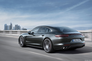 Porsche Panamera Turbo HD
