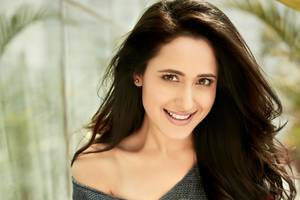 Pragya Jaiswal Wallpaper