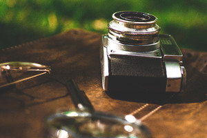 Retro Old Camera Magnifying Glass Wallpaper