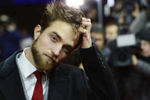 Robert Pattison 2016 Wallpaper