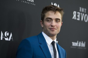 Robert Pattison Wallpaper