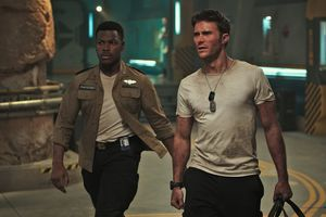 Scott Eastwood And John Boyega In Pacific Rim Uprising 2018