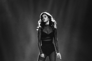 Selena Gomez On Stage 4k
