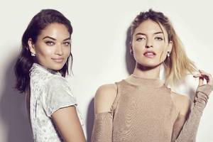 Shanina Shaik And Martha Hunt Wallpaper