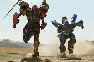 Shatter And Dropkick Decepticon In Bumblebee Movie Wallpaper