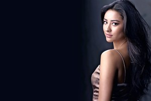 Shay Mitchell 2 Wallpaper