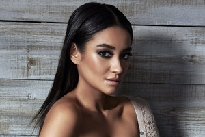 Shay Mitchell Sexy Wallpaper