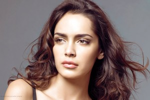 Shazahn Padamsee 4 Wallpaper