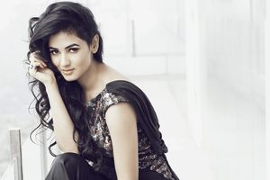 Sonal Chauhan Indian Celebrity Wallpaper