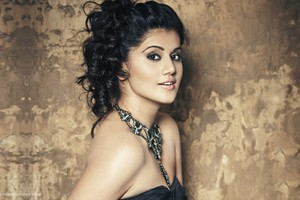 Taapsee Actress Wallpaper