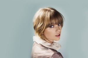 Taylor Swift 12 Wallpaper