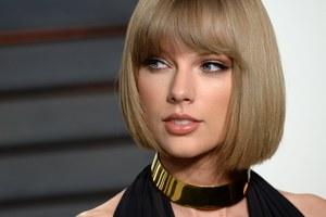 Taylor Swift Blonde Hair Wallpaper