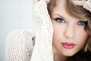Taylor Swift Blue Eyes