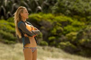 The Shallows Blake Lively In Swimsuit