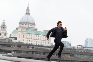 Tom Cruise Running Mission Impossible Fallout Wallpaper