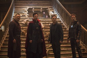 Tony Stark Doctor Strange Bruce Banner And Wong In Avengers Infinity War