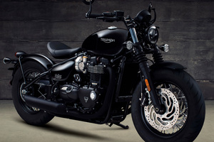 Triumph Bonneville Bobber Black 2017 Wallpaper
