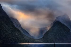 Valley Milford Sound In New Zealand Wallpaper