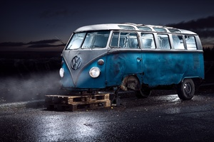 Volkswagen Van Tyre Repair Wallpaper