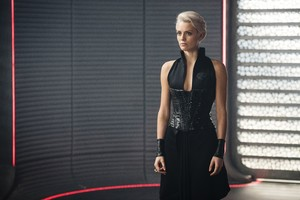 Wallis Day As Nyssa Vex In Krypton Wallpaper