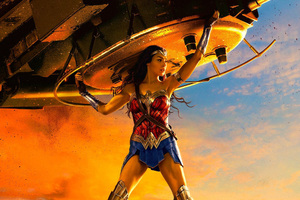 Wonder Woman Lifting Tank Wallpaper