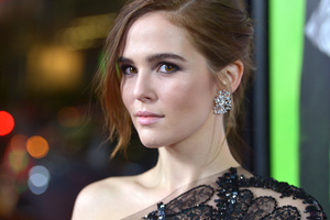 Zoey Deutch Actress