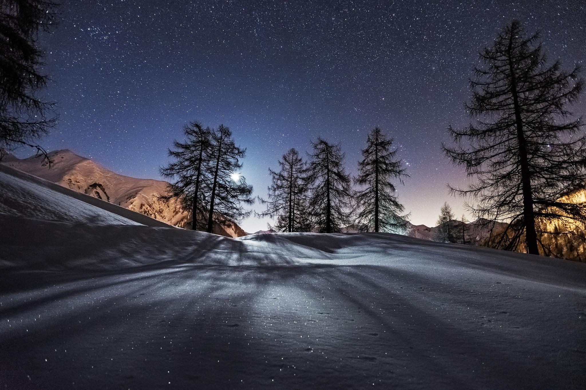 Trees night snow mountains hd nature 4k wallpapers - Night mountain wallpaper 4k ...