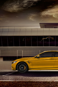 320x568 2018 Bmw M4 Cabriolet Side View