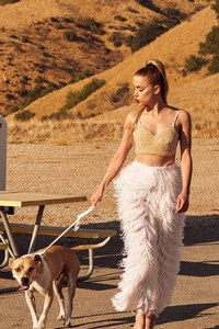 Amber Heard Allure 2017 With Dog