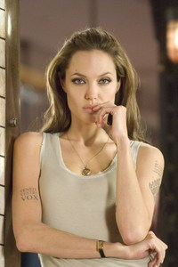 540x960 Angelina Jolie In Wanted 4k
