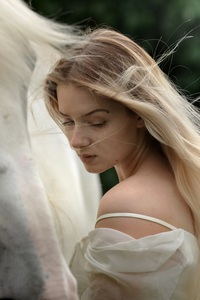 750x1334 Beautiful Girl With Horse