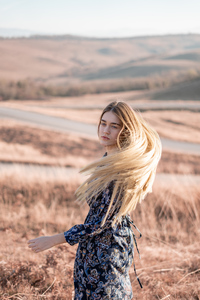 240x320 Blonde Girl Hairs In Air 4k