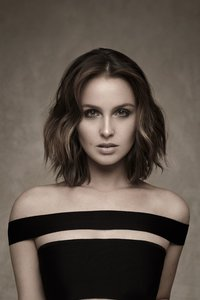 640x1136 Camilla Luddington 4k