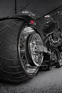 240x320 Custom Chooper Wide Tyre