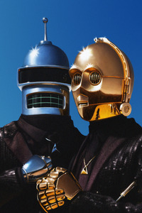 Daft Punk And C3PO 750x1334