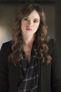 Danielle Panabaker As Caitlin In Flash