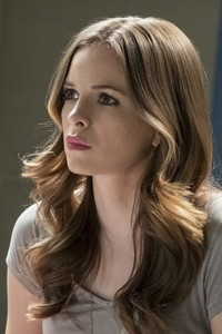 480x800 Danielle Panabaker In Flash