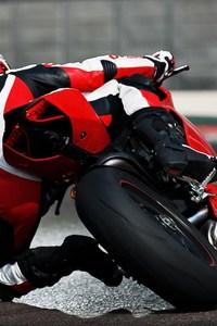 Ducati 1199 Taking Corner 1080x1920