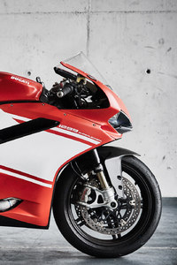 750x1334 Ducati 1299 Superleggera Bike