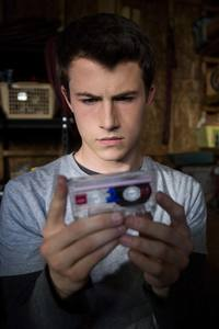 1080x1920 Dylan Minnette As Clay Jensen In 13 Reasons Why
