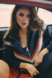 2160x3840 Eiza Gonzalez In Car