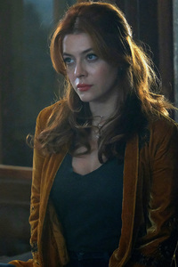 750x1334 Elena Satine The Gifted