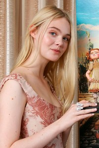 1080x2280 Elle Fanning In The Boxtrolls