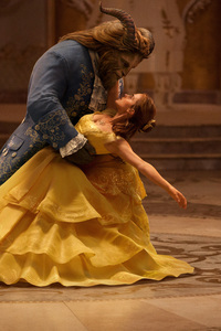 Emma Watson And Dan Stevens Dancing In Beauty Beast