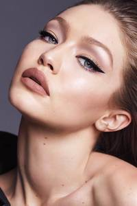 2160x3840 Gigi Hadid East Coast Glam 4k