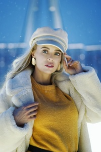 480x854 Girl In Snow Winter Outdoors