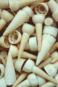 1280x2120 Ice Cream Cone Piles