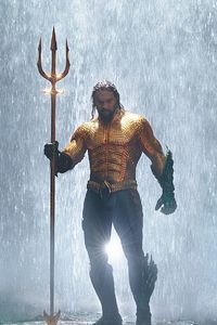720x1280 Jason Momoa In Classic Orange And Green Aquaman Costume